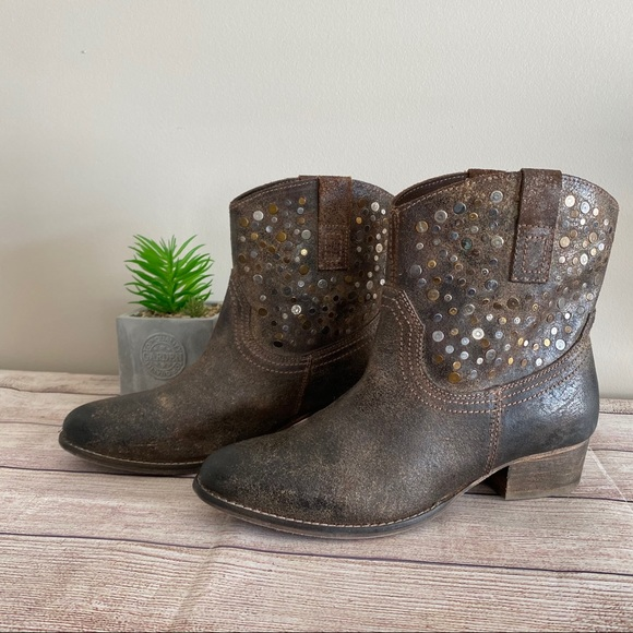 DIBA TRUE Flying Solo Pull on Studded Ankle Boots